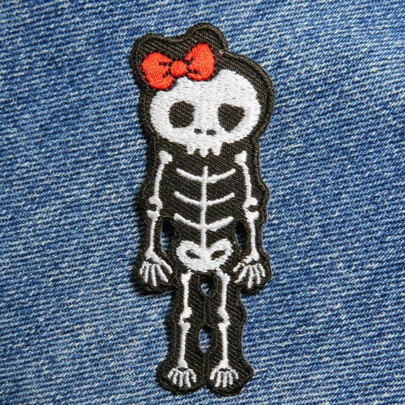 rot Skelett mit Schleife Aufnäher Patch