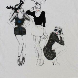 Lady Shirt - Women T-Shirt - Frauen mit Masken und Ohren