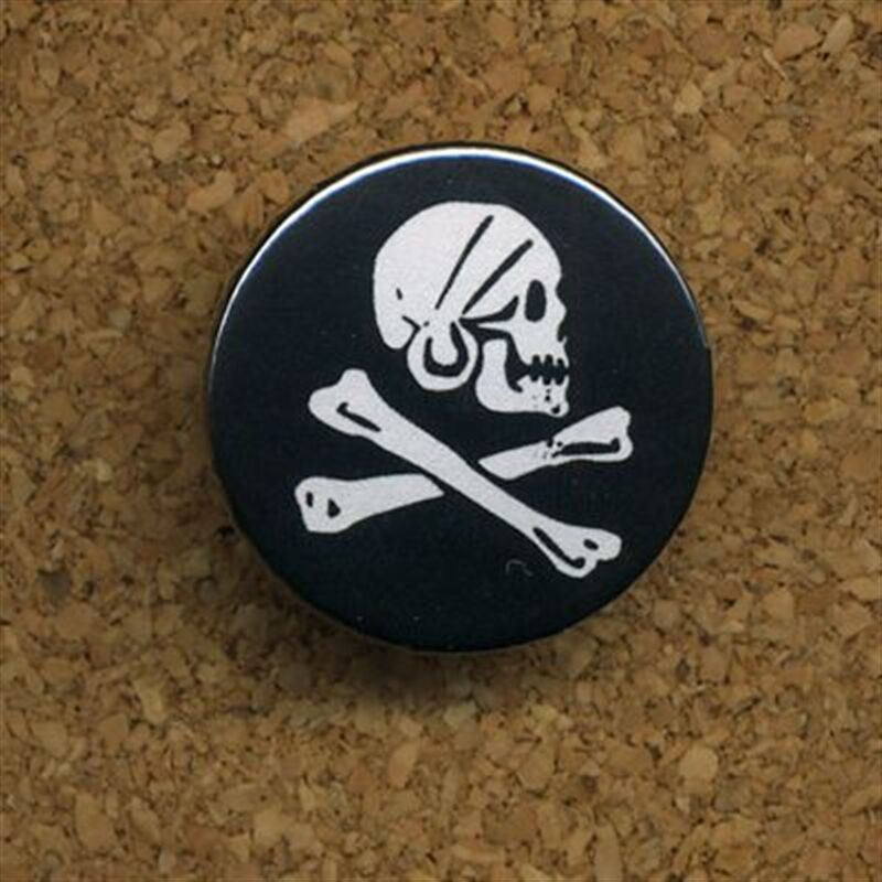 Button - Piratenflagge - Anstecker