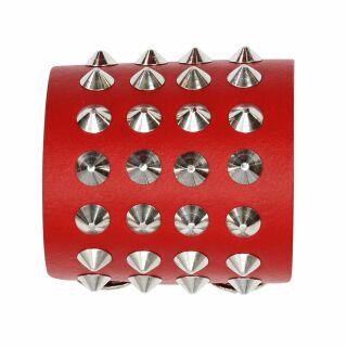 Brazalete cuero con 4-fila de remaches conicos - rojo