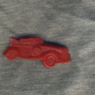 Spilla - auto - rosso - fermaglio DDR